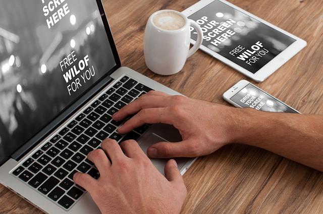 macbook a práce